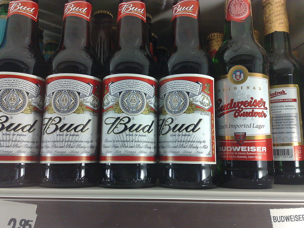 1024px-Bud_and_Budvar