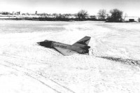 1024px-F-106_unmanned_landing