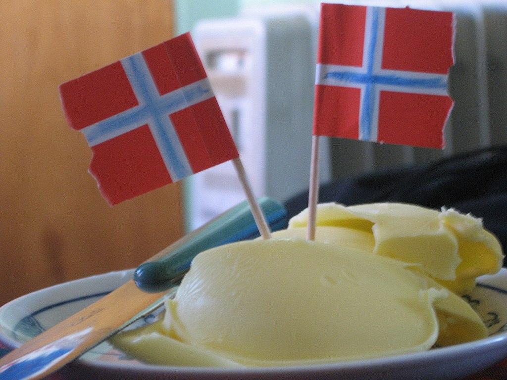 1024px-Norwegian_butter