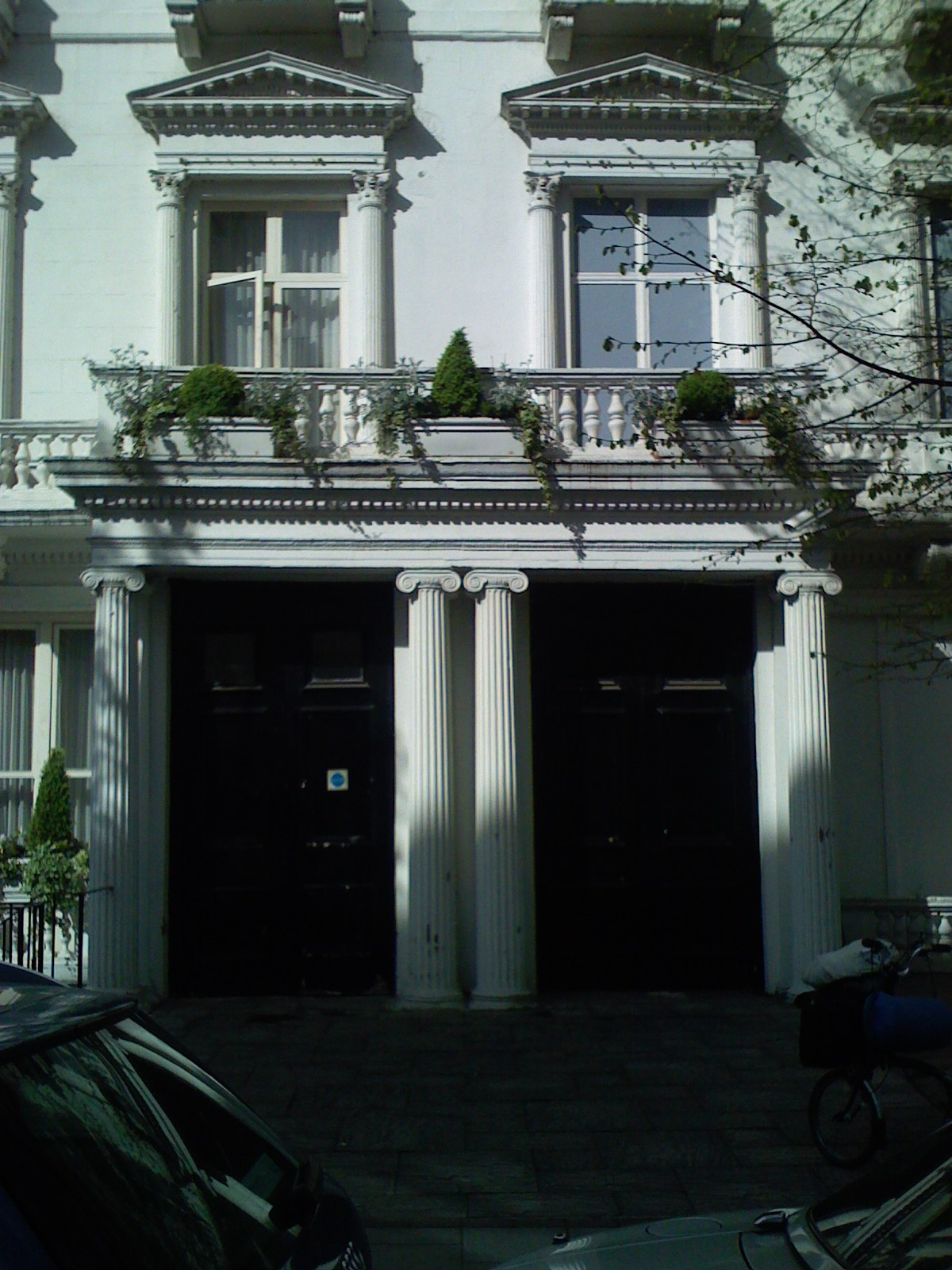22-23-leinster-gardens-facade-contrast