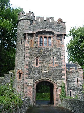 360px-Gate_Glenarm_Castle_County_Antrim
