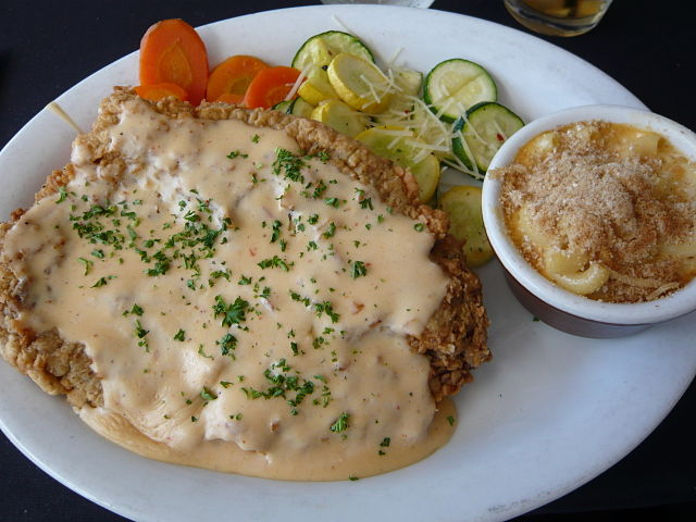 640px-Flickr_wordridden_3397801155--Chicken_fried_steak