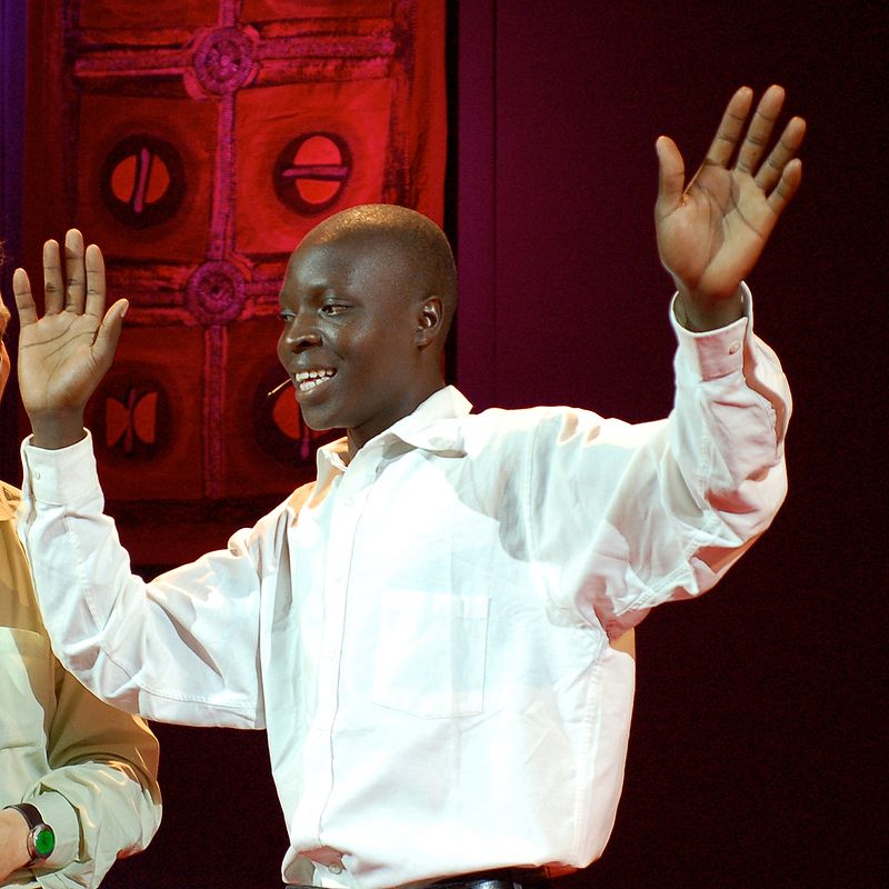 800px-William_Kamkwamba_at_TED_in_2007