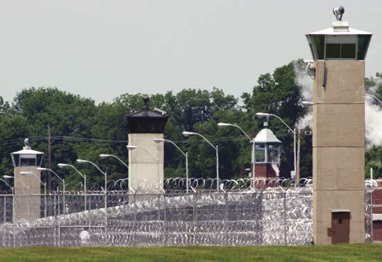 Britannica_prison