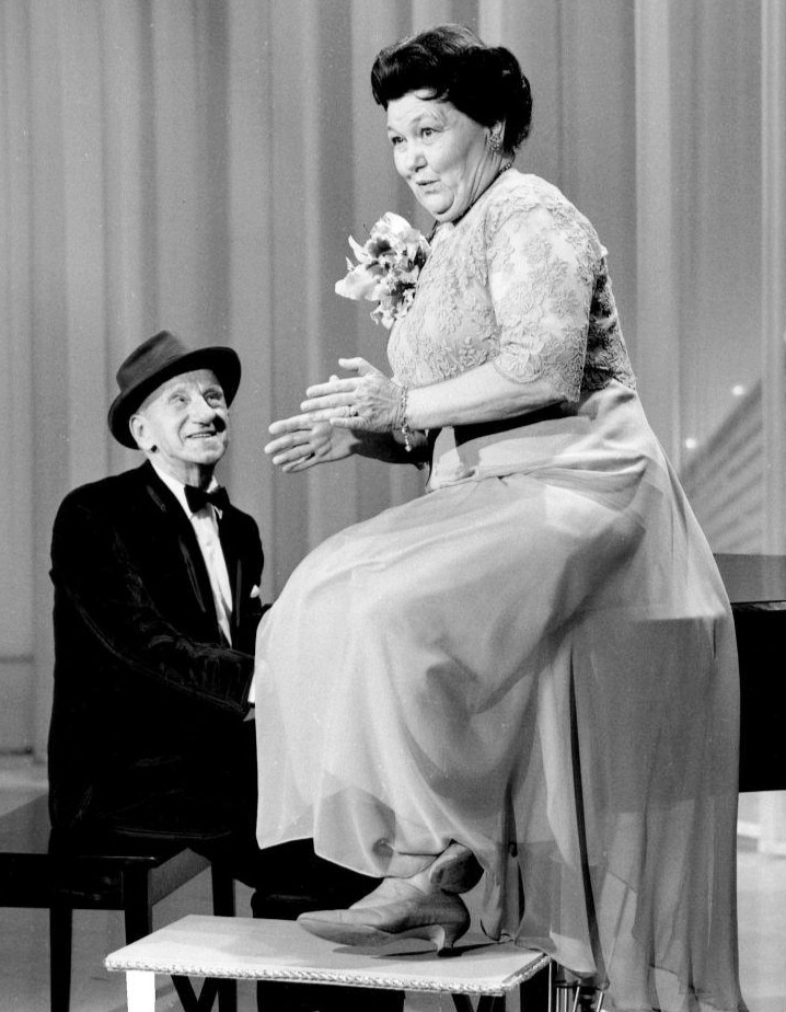 Jimmy_Durante_Mrs._Miller_Hollywood_Palace_1966