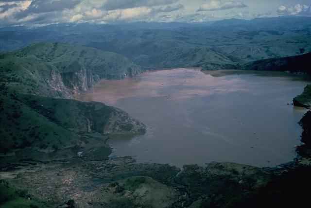 Nyos_Lake