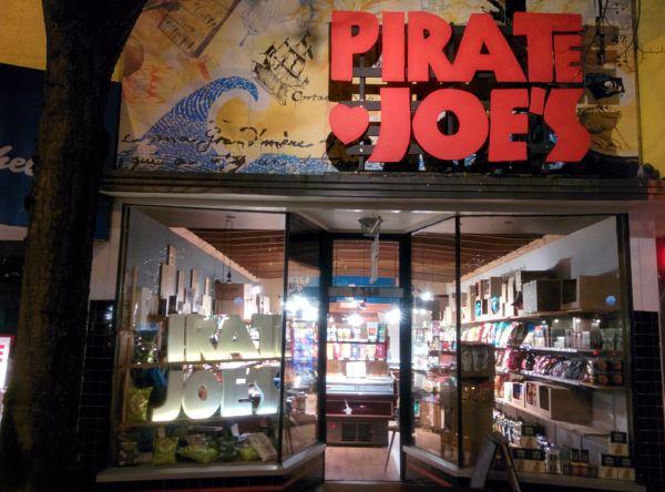 pirate-joes-vancouver-by-maya-korbynn