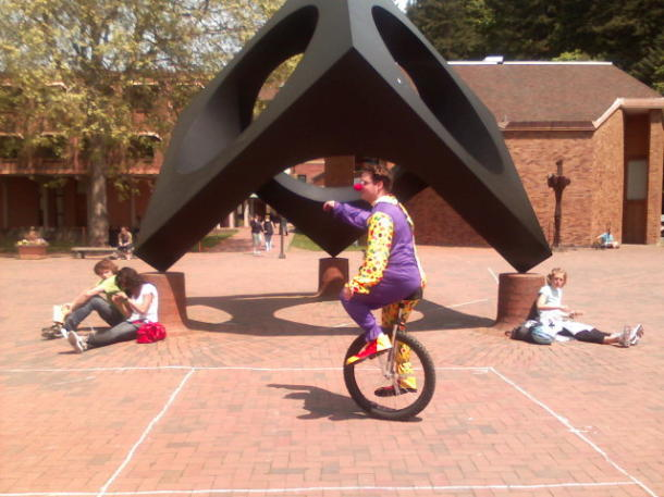 unicycling_clown_picture_610x457